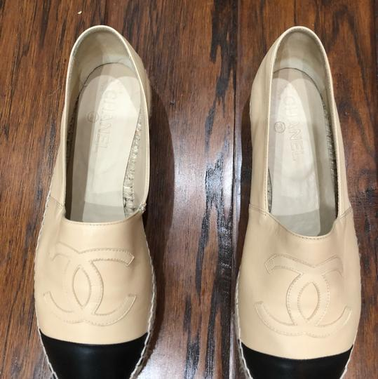Chanel Espadrille Two-tone Leather Comfortable Beige / Black Flats