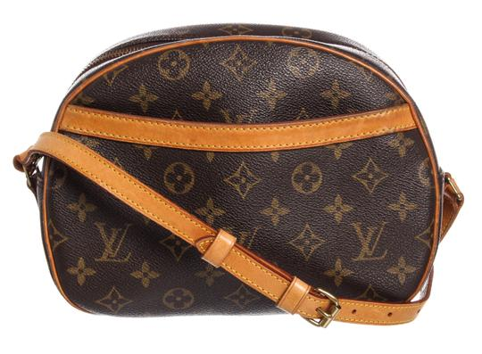 Preload https://img-static.tradesy.com/item/24624517/louis-vuitton-blois-monogram-brown-canvas-and-leather-cross-body-bag-0-0-540-540.jpg