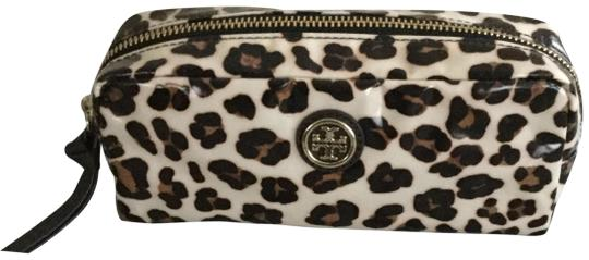 Preload https://img-static.tradesy.com/item/24624566/tory-burch-animal-print-cosmetic-bag-0-3-540-540.jpg