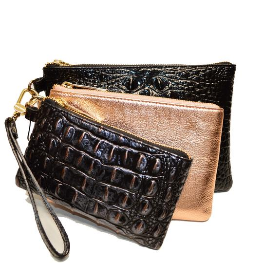 Preload https://img-static.tradesy.com/item/24624597/brahmin-dusk-keynes-holly-3-piece-wristlet-croco-set-wallet-0-0-540-540.jpg