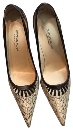 Preload https://img-static.tradesy.com/item/24624640/dolce-and-gabbana-nero-dolce-and-gabbana-pumps-size-eu-40-approx-us-10-regular-m-b-0-1-540-540.jpg