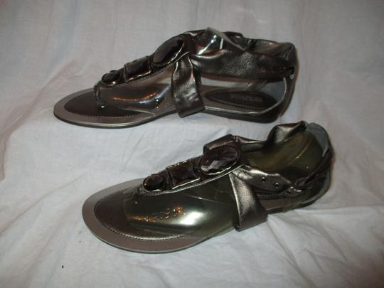 Kenneth Cole Reaction Leather Thong 002 pewter Sandals
