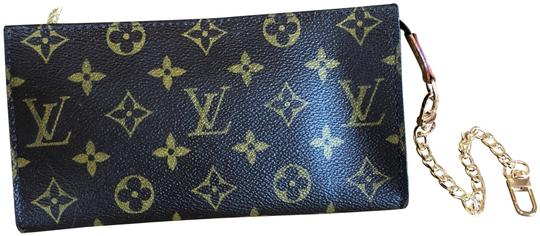 Preload https://img-static.tradesy.com/item/24624646/louis-vuitton-pouch-wallet-brown-monogram-canvas-and-leather-clutch-0-1-540-540.jpg