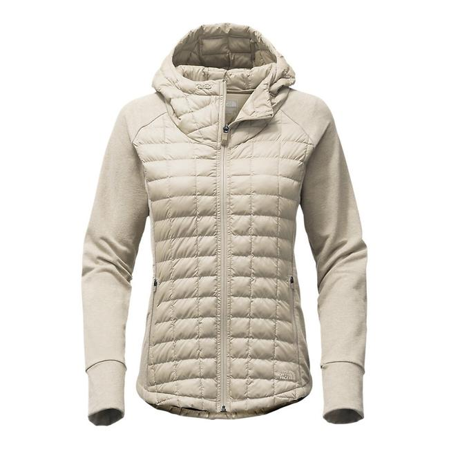 Preload https://img-static.tradesy.com/item/24624675/the-north-face-endeavor-thermoball-primaloft-quilted-jacket-size-0-xs-0-0-650-650.jpg