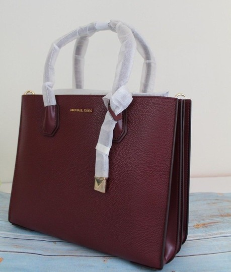 Michael Kors Tote in Oxblood/Gold