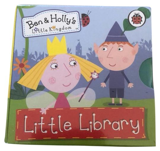 Preload https://img-static.tradesy.com/item/24624748/ben-and-holly-little-library-0-1-540-540.jpg