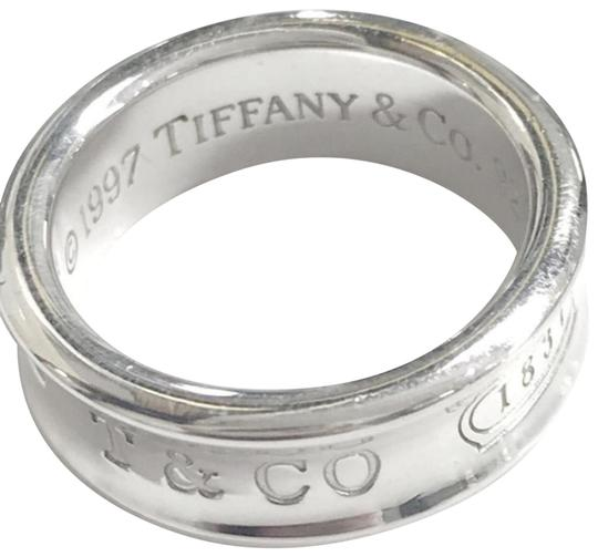 Preload https://img-static.tradesy.com/item/24624794/tiffany-and-co-iconic-1837-ring-0-5-540-540.jpg