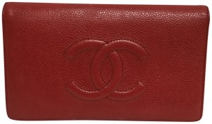 Chanel Red caviar wallet with stitched CC logo