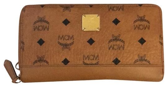 Preload https://img-static.tradesy.com/item/24624872/mcm-wallet-brown-leather-clutch-0-1-540-540.jpg