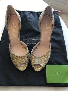 3f0e656c2a1e Women s Gold Kate Spade Shoes - Up to 90% off at Tradesy