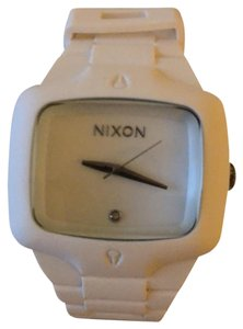 Nixon Player, rubber