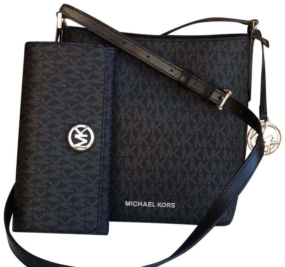 Michael Kors Bucket Kimberly Small Bucket Bag+wallet Set Black Pvc Signature Leather Cross Body Bag