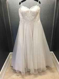Justin Alexander Sand/Ivory Lace/Tulle Strapless Gown Style 6132ps Traditional Wedding Dress Size 20 (Plus 1x)