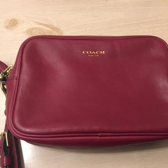 Coach burgundy Clutch Image 1