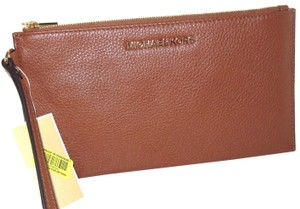 Michael Kors Leather 888235394848 Luggage Clutch