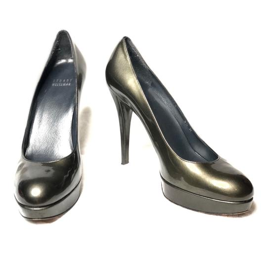 Preload https://img-static.tradesy.com/item/24628985/stuart-weitzman-olive-swoon-patent-pumps-size-us-85-regular-m-b-0-0-540-540.jpg