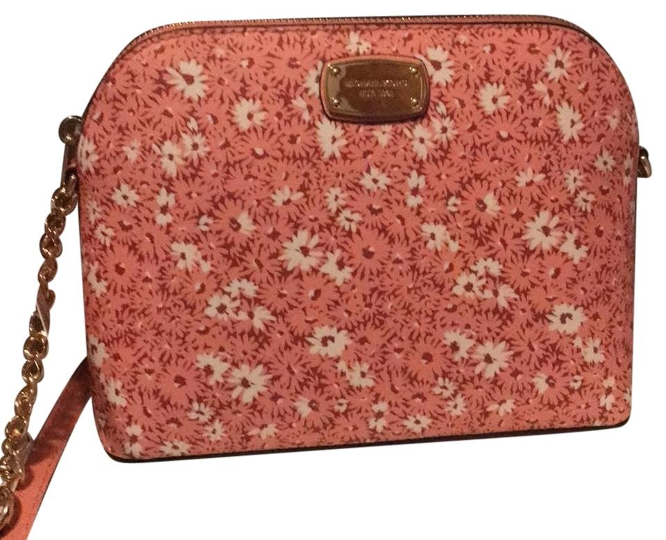 7687d5f9f1ca Michael Kors Lg Dome 38t8xcpc3r Peach Floral Cross Body Bag - Tradesy