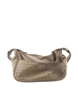 e639ec5ed7ae Bottega Veneta Leather Pre-owned Brown Gunmetal-tone Shoulder Bag