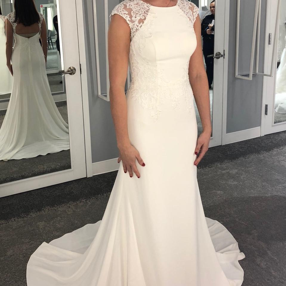 da51690f57e3 David's Bridal Ivory Crepe Cap Sleeve Sheath Formal Wedding Dress ...