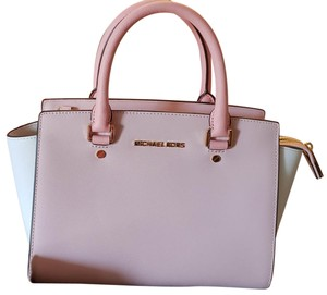 51b28fec0229 MICHAEL Michael Kors Satchels - Up to 90% off at Tradesy