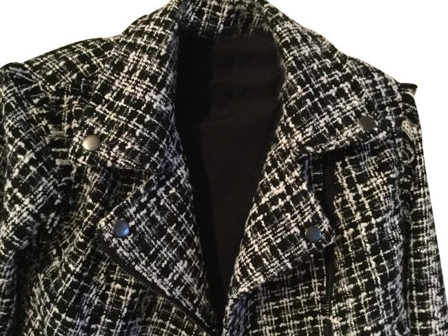 Preload https://img-static.tradesy.com/item/24632432/a-new-day-black-and-white-tweed-jacket-size-2-xs-0-3-650-650.jpg