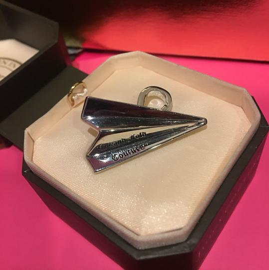 Juicy Couture NWT! JUICY COUTURE SILVER PAV STONE PAPER AIRPLANE CHARM. Image 3