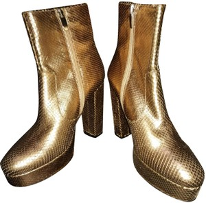 ElyseWalker Los Angeles Golden rose Boots