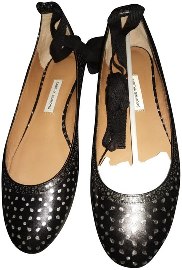 Preload https://img-static.tradesy.com/item/24633120/tabitha-simmons-black-silver-perforated-with-ties-flats-size-eu-38-approx-us-8-regular-m-b-0-1-540-540.jpg