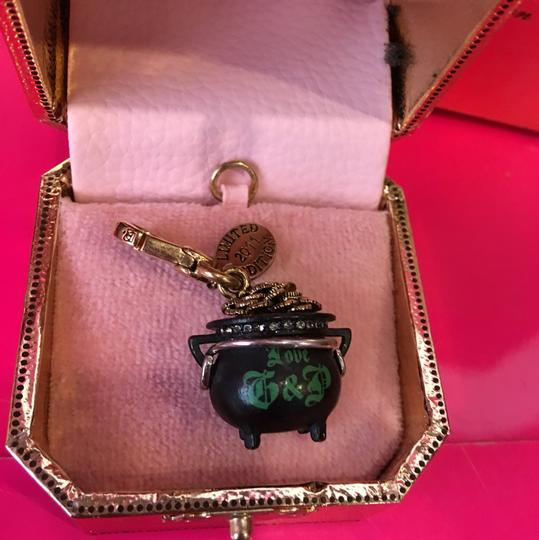 Juicy Couture NWT JUICY COUTURE 2011 LIMITED EDITION POT OF GOLD CHARM!! Image 1