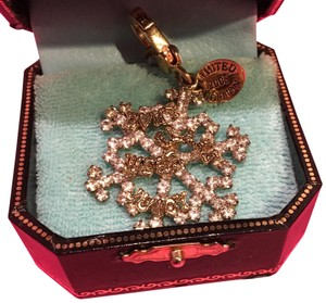 Juicy Couture NEW JUICY COUTURE LIMITED EDITION 2005 SNOWFLAKE CHARM!!