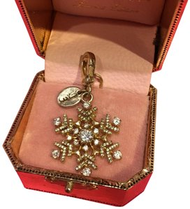 Juicy Couture NEW JUICY COUTURE LIMITED EDITION 2008 NEIMAN MARCUS SNOWFLAKE CHARM!!