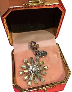 Juicy Couture NEW JUICY COUTURE LIMITED EDITION 2010 SNOWFLAKE CHARM!!