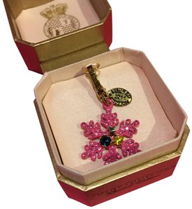 Juicy Couture NEW JUICY COUTURE LIMITED EDITION 2011 PINK SNOWFLAKE CHARM!!