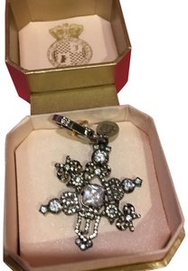 Juicy Couture NEW JUICY COUTURE LIMITED EDITION 2011 SNOWFLAKE CHARM!!