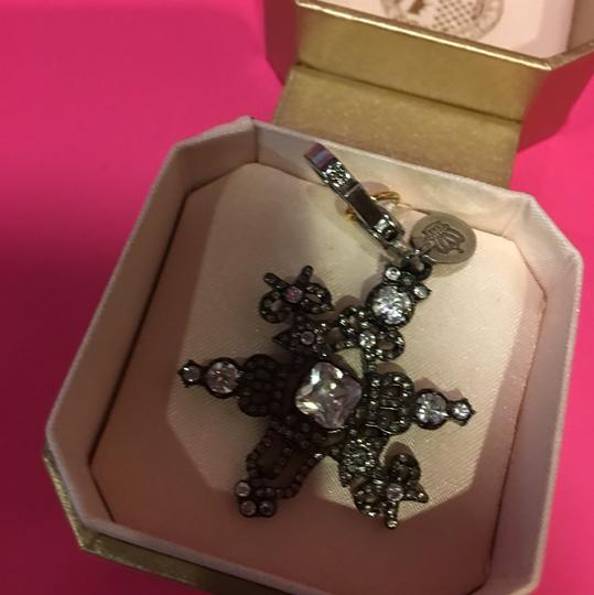 Juicy Couture NEW JUICY COUTURE LIMITED EDITION 2011 SNOWFLAKE CHARM!! Image 1