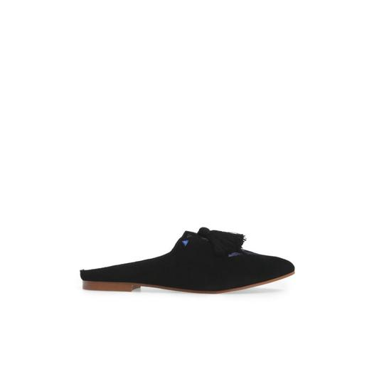 Preload https://img-static.tradesy.com/item/24633688/soludos-black-embroidered-mule-flats-size-us-7-regular-m-b-0-0-540-540.jpg