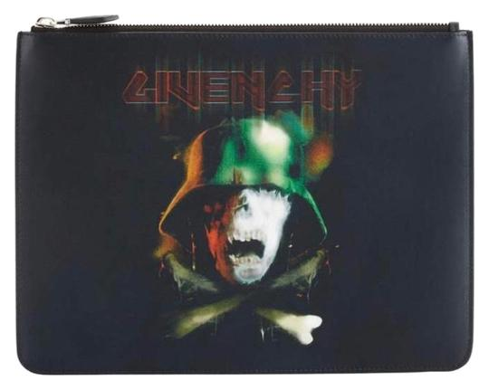 Preload https://img-static.tradesy.com/item/24633722/givenchy-skull-army-pouch-black-leather-clutch-0-1-540-540.jpg