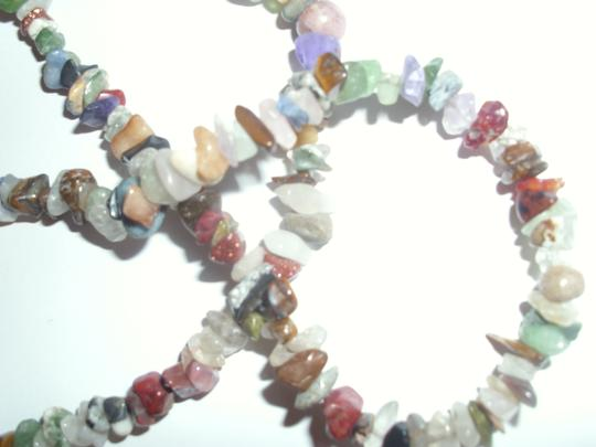 unbranded Multi-stone sem-precious gemstone chip beaded necklace strand Image 1