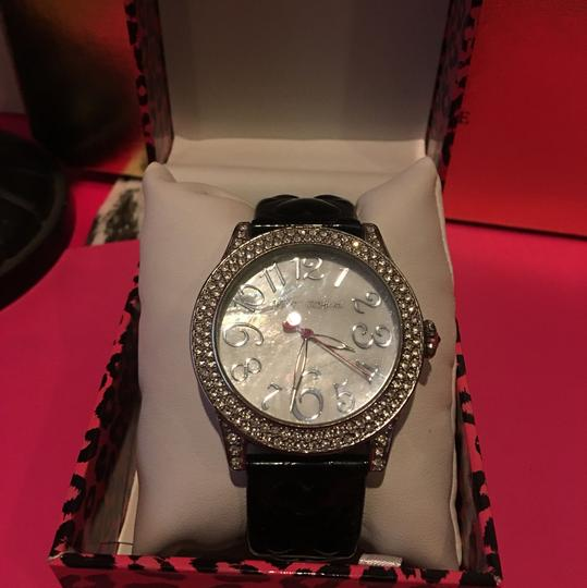 Betsey Johnson BETSEY JOHNSON BLACK & SILVER WATCH with a GORGEOUS MOTHER OF PEARL CRYSTAL STONE FACE & BRAND!! Image 1