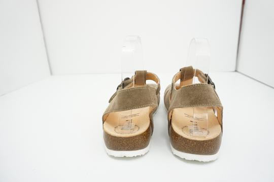 Think Flats Size 9 Brown Sandals Image 3