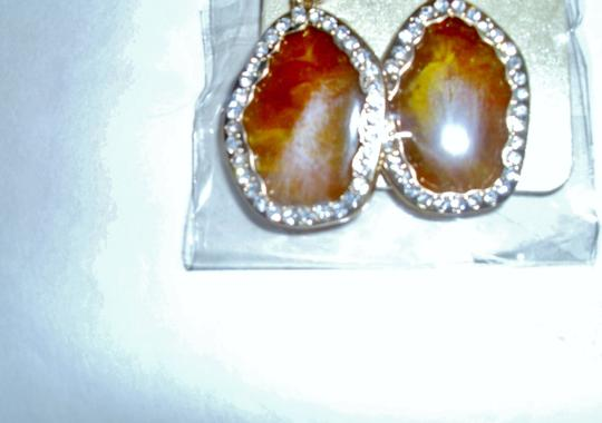 unbranded Several colors flat shell oval surrounded by rhinestone diamonds Image 1