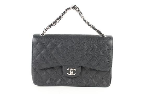 Preload https://img-static.tradesy.com/item/24635050/chanel-classic-flap-quilted-caviar-jumbo-4ce0104-black-leather-shoulder-bag-0-0-540-540.jpg