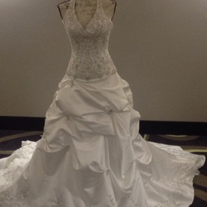 Bridal Exclusives White Polyester R6100 Formal Wedding Dress Size 10 (M)