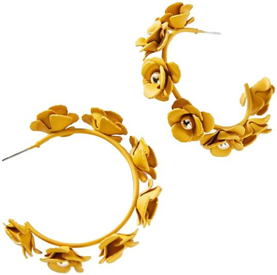Preload https://img-static.tradesy.com/item/24635269/anthropologie-autumnal-blooms-hoop-earrings-0-2-540-540.jpg