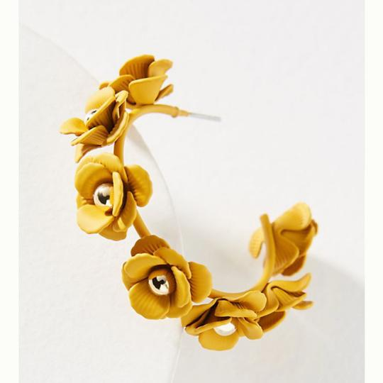 Anthropologie Anthropologie Autumnal blooms hoop earring Image 1