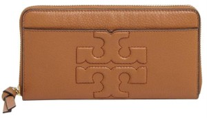 Tory Burch bombe zip continental wallet