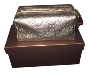 Gucci Gucci cosmetic bag with holly charm