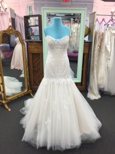 08d1a6355f6 Sophia Tolli Y11727 Lace Tulle Traditional Wedding Dress Size 10 (M)