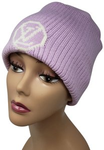 Louis Vuitton Pink wool Louis Vuitton LV logo knit beanie