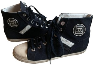 Chanel Sneaker Hightop Logo navy and white Athletic